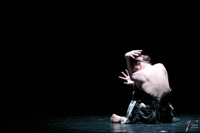 """ATERBALLETTO: """"Rossini Cards"""" Cor. Mauro Bigonzetti Roma, Teatro Olimpico 18-21 Gennaio 2006"""