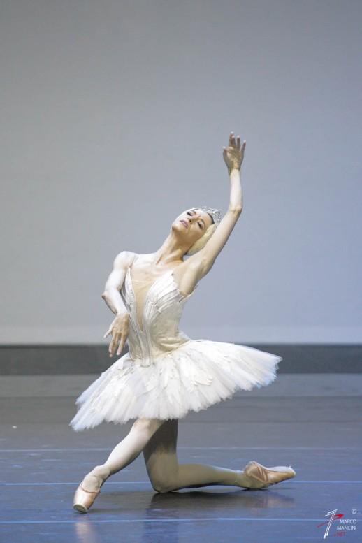 Lucia Lacarra (Bayerisches Staatsballett di Monaco di Baviera))- 'Il Lago dei Cigni' - Cor. Nureyev